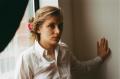 film photograph portrait young woman long hair blonde bokeh pink hair clip