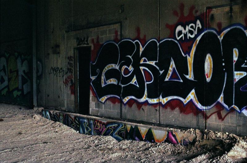 film photography urbex abandoned ruinporn wall graffiti