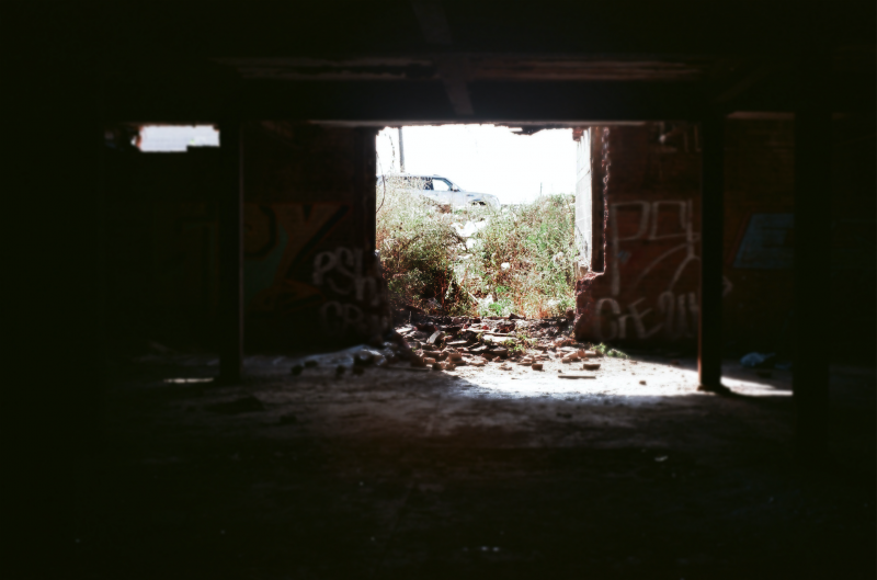 film photograph urbex abandoned crumbling wall ruinporn