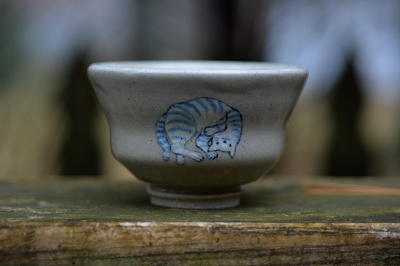 stoneware ceramics handthrown cat japanese design